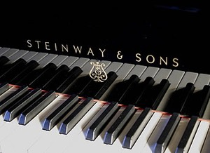 steinway-model-M-grand-piano-black-LAB